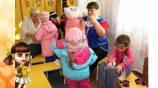 Обязанности младшего воспитателя – кому подходит эта работа?